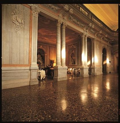 Benetton Palace 3.jpg